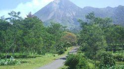 Tips Berkendara Ke Wisata Deles Indah Klaten, Bersahabat dengan Truk Pasir